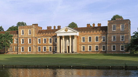 This image shows The Vyne, where Kaufman worked.