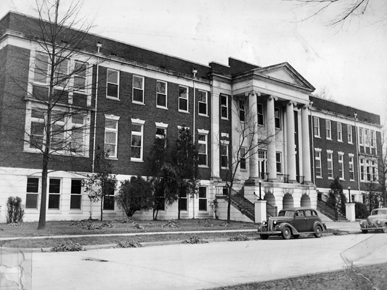 Black and white view of Nott Hall from the 1940s